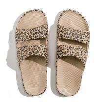 Waterbestendige, milieuvriendelijke Freedom Moses Wildcat Sands slippers, lichtbruin met luipaard print voor meisjes en dames